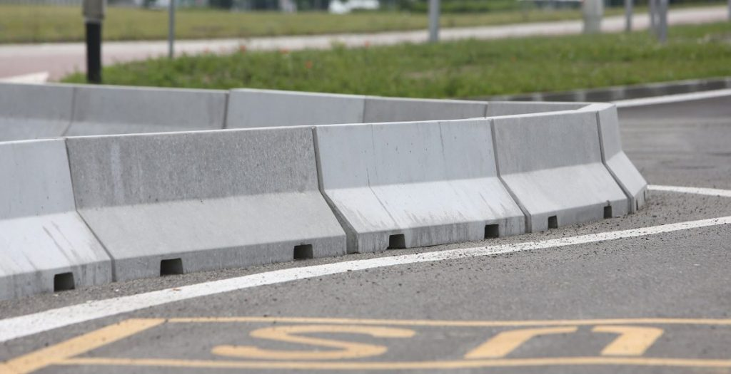 jual Road Barrier Beton, pabrik Road Barrier Beton, supplier Road Barrier Beton